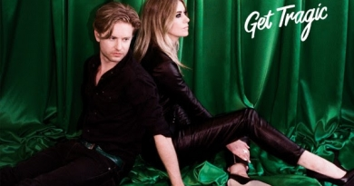 Blood Red Shoes return with forthcoming album news and brand new single 'Mexican Dress'.