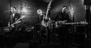 ARCADES live at the Edge of the Wedge, Portsmouth - 04/04/19 | Mix It All Up