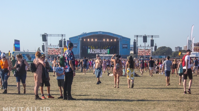Razorlight live at Victorious Festival 2019