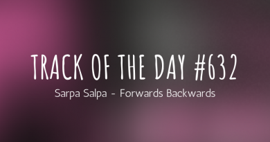Sarpa Salpa - Forwards Backwards